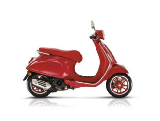 Vespa Primavera 150 Red '21